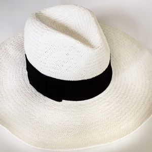 BANANA REPUBLIC WHITE STRAW WIDE BRIM HAT